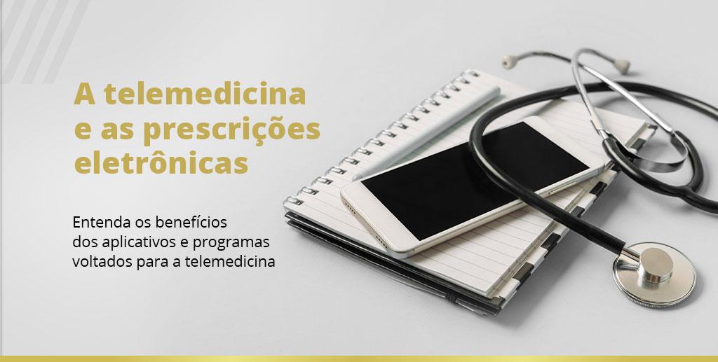 Materiais médicos e tecnológicos representando a telemedicina